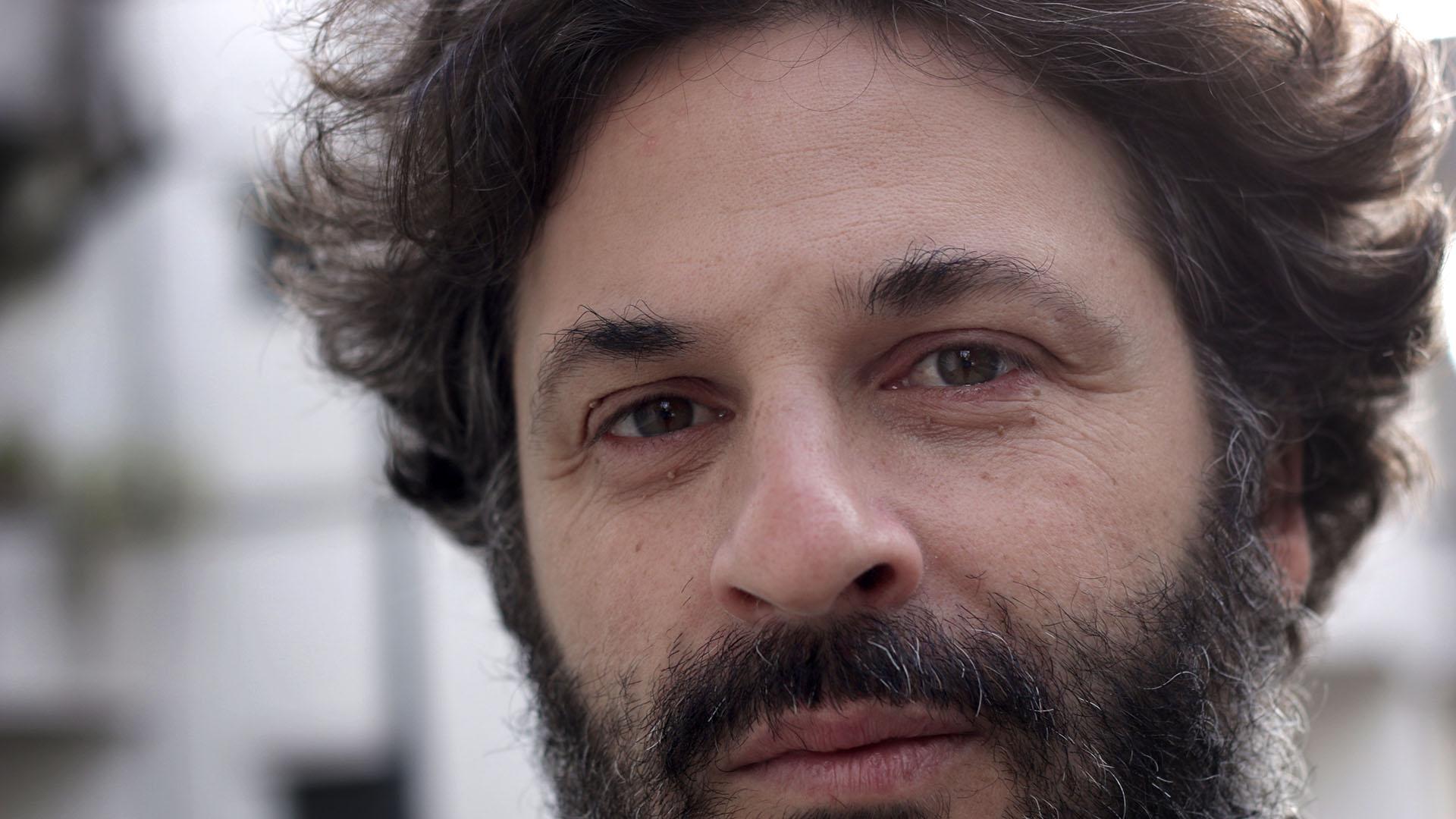 """Hernán Ronsino: """"Escribir es habitar una lengua en tránsito que esta pensándose todo el tiempo a sí misma"""""""