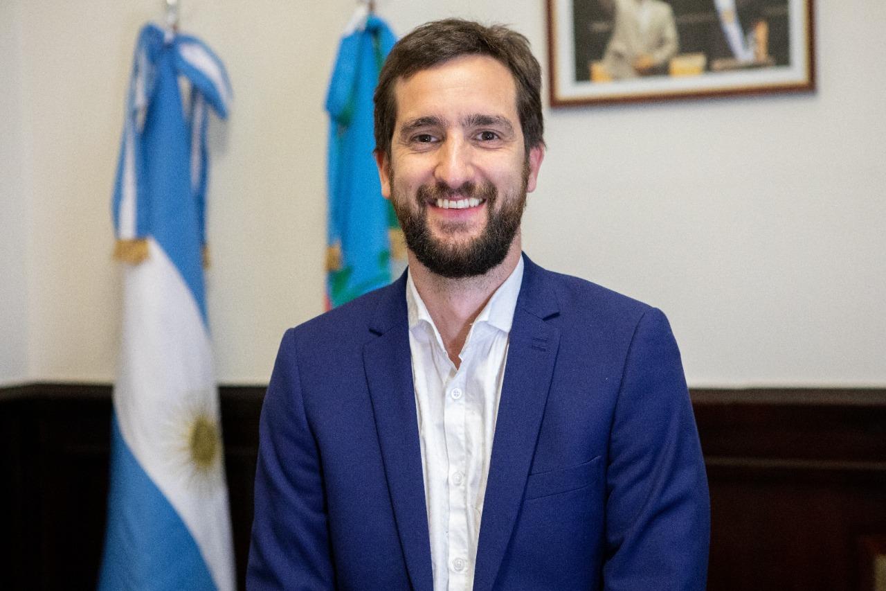 [Senado BA] Distinguen la labor parlamentaria del chivilcoyano Leandro Blanco