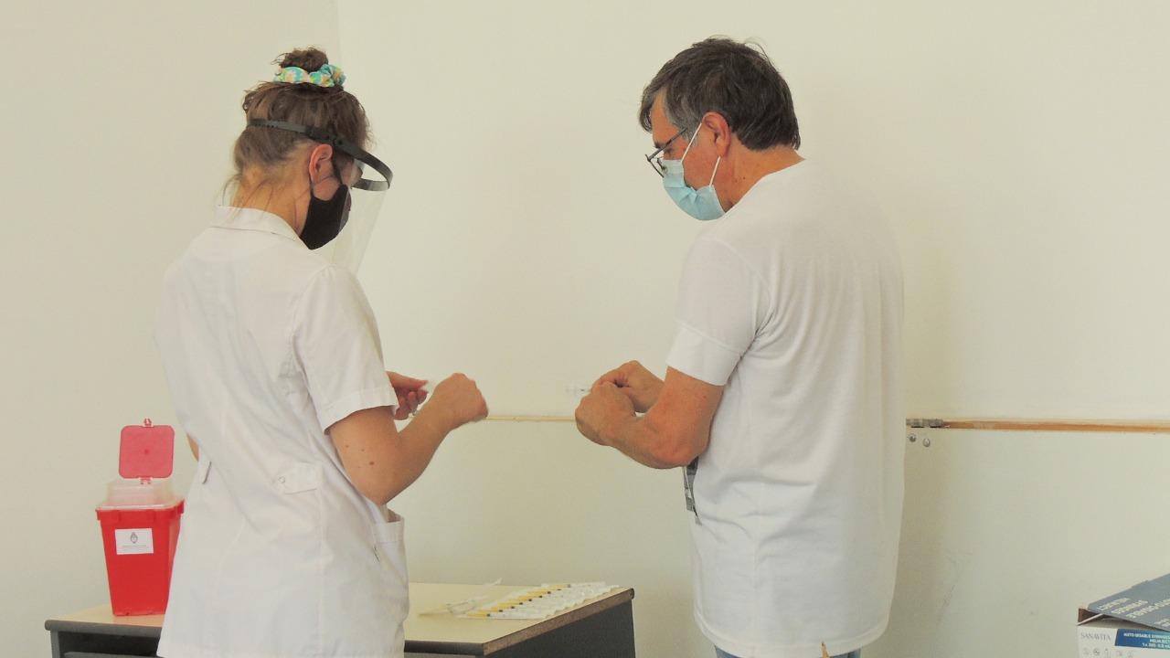 Se puso en marcha la capacitación de vacunadores eventuales para la campaña contra el COVID