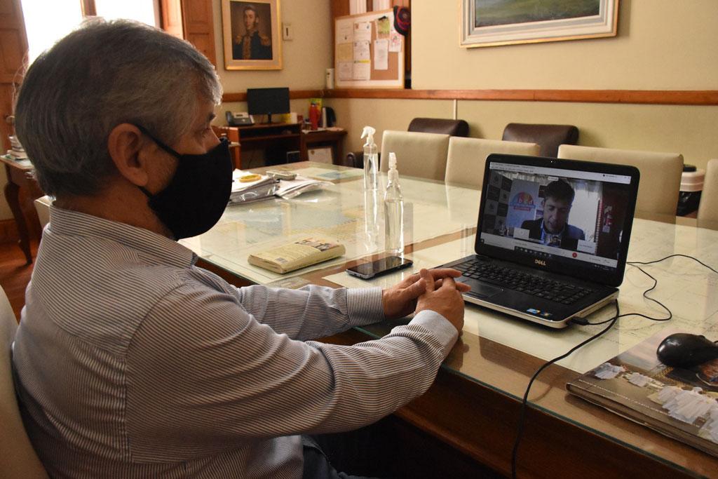 El intendente Guillermo Britos participó de una videoconferencia con el gobernador Kicillof