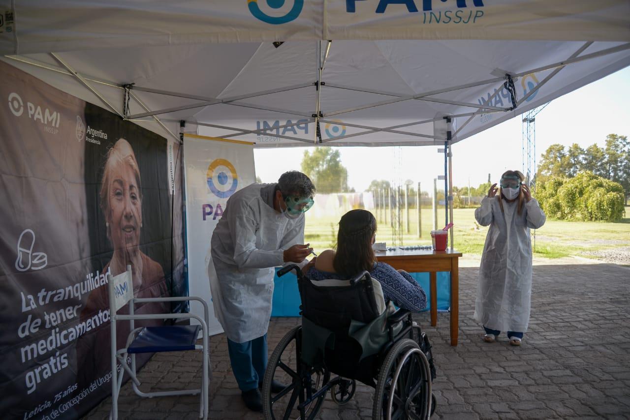 [PAMI] Inicio de la vacunación contra el COVID-19 en ATIADIM