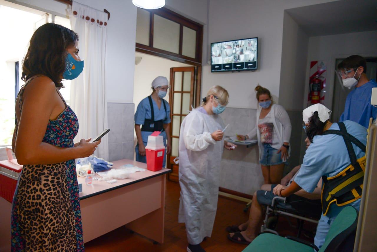[PAMI] Continúa la vacunación en Hogares de adultos mayores privados en Chivilcoy