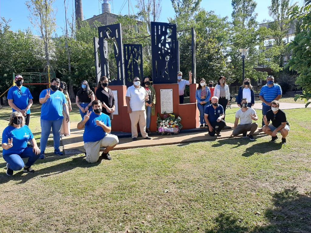 [#24M] Homenaje a los desaparecidos de Chivilcoy en la Plaza de la Memoria
