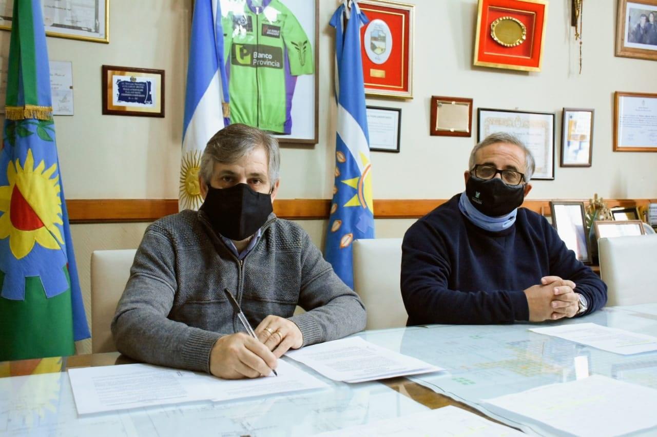 Britos firmó un convenio con ENOHSA por $39.117.218 para ejecutar 31 nuevas cuadras de cloacas en nuestra ciudad