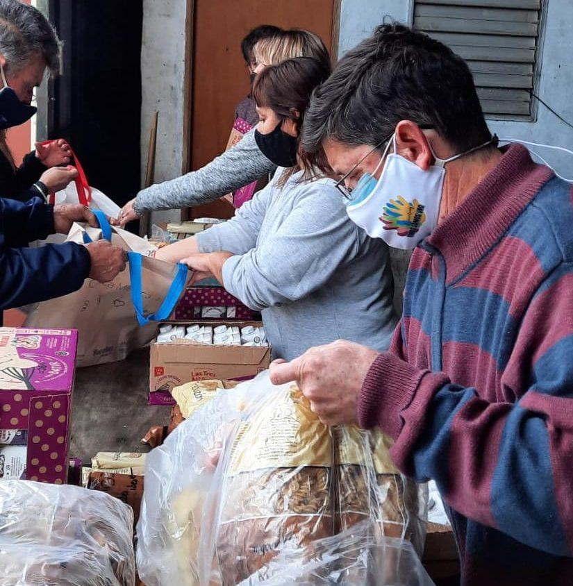 """Todos somos Uno:  Entrega de 2000 """"kits solidarios"""" donados por Adecoagro y Pastasole"""