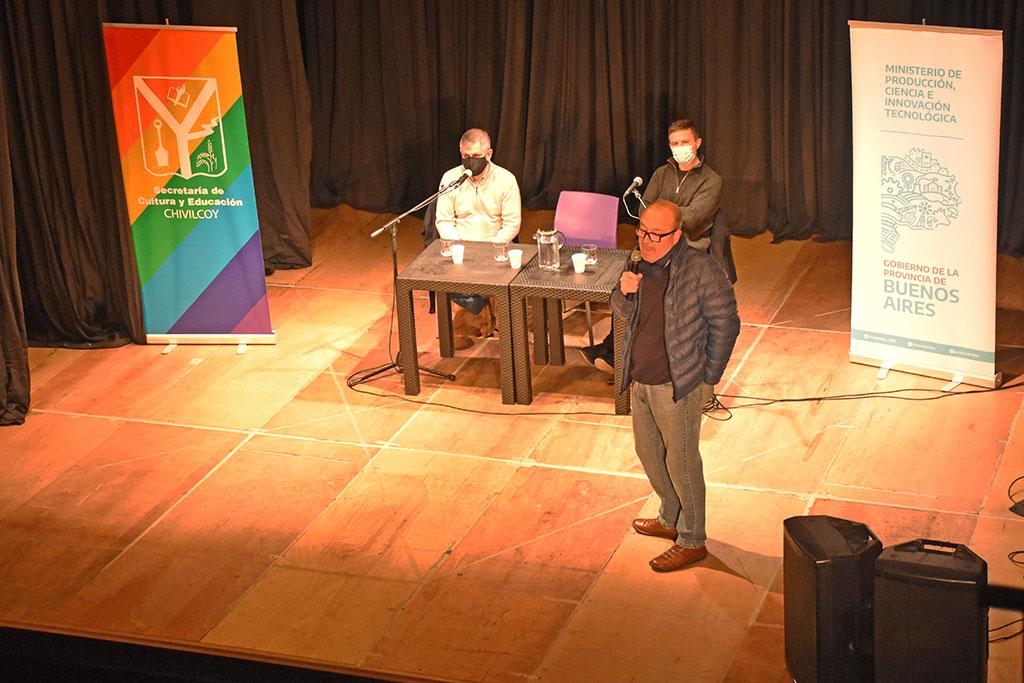 """Presentación de la entrega de la tercera etapa del Fondo Especial para la Reactivación Cultural y Turística en el Teatro """"El Chasqui"""""""